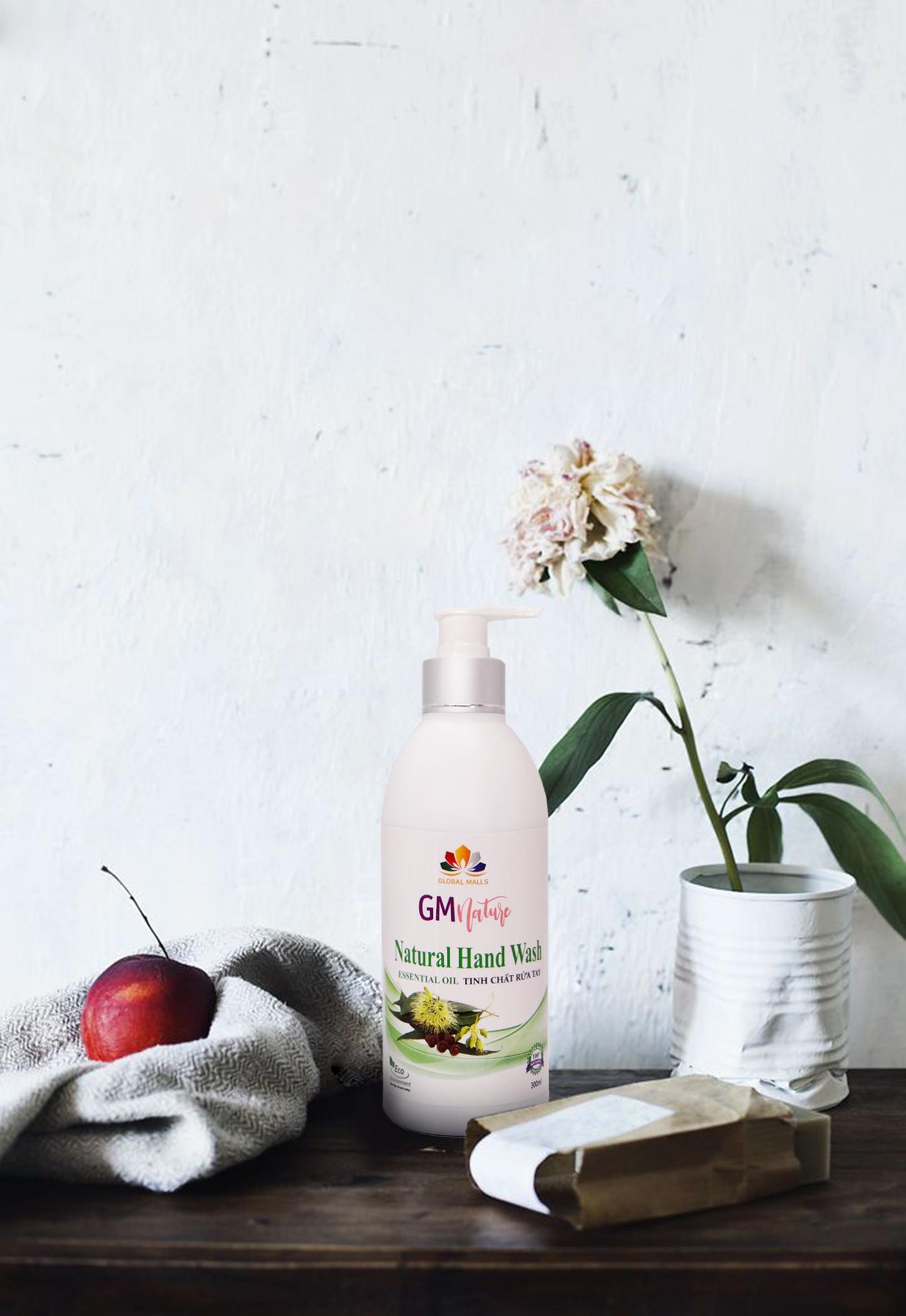 Nước rửa tay tự nhiên GMnature được chiết xuất hoàn toàn từ tinh dầu thiên nhiên